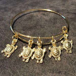 Sea turtle 🐢 Charm Gold Tone Stackable Bracelet